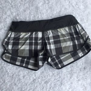 Lululemon size 8 speed short EUC